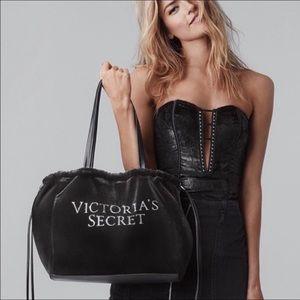NWT Victoria Secret Luxe Velvet Tote 2018!(A428)